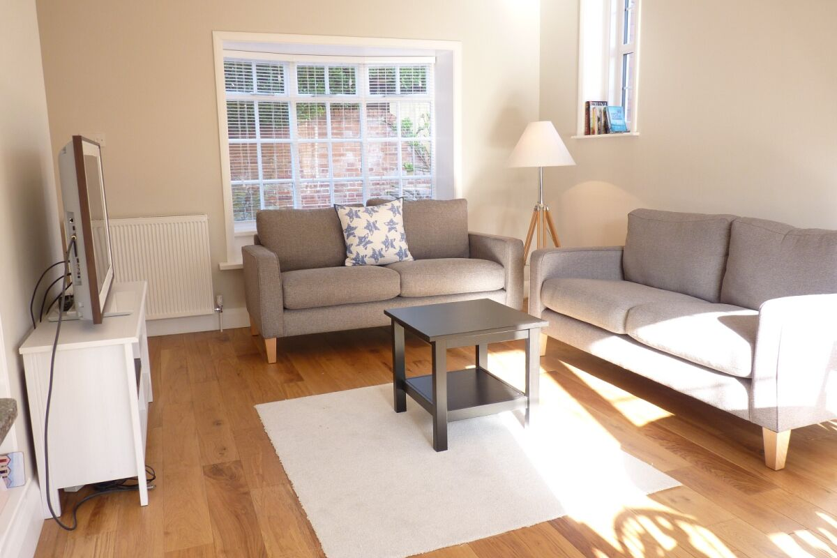 Living Room, Coachmans Cottage Serviced Accommodation, Eastbourne