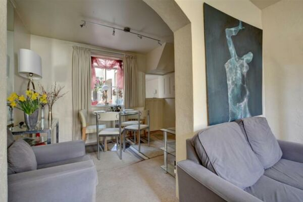 Living and Dining Area, North Gardens Cottage Serviced Accommodation, Brighton