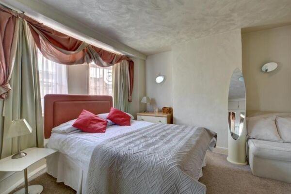 Bedroom, North Gardens Cottage Serviced Accommodation, Brighton
