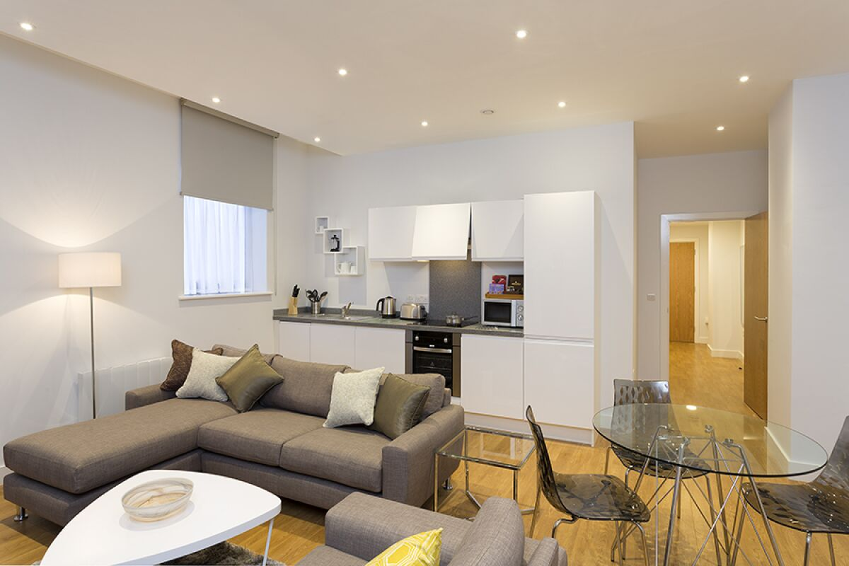 Lounge and Kitchen, Piccadilly Serviced Apartments in Manchester