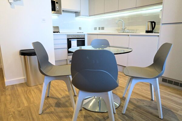 Kitchen, Quay Serviced Apartments in Manchester