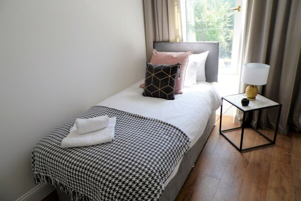 Bedroom, Langland House Serviced Accommodation, Glasgow