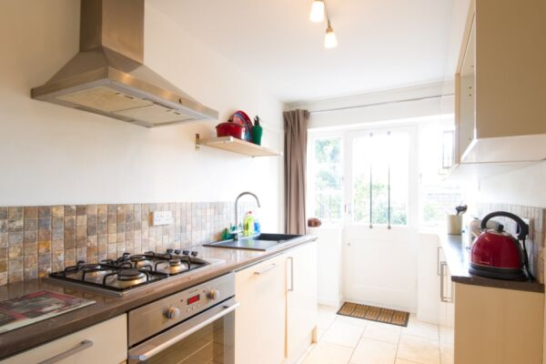 Kitchen, Kent House Serviced Accommodation, Eastbourne