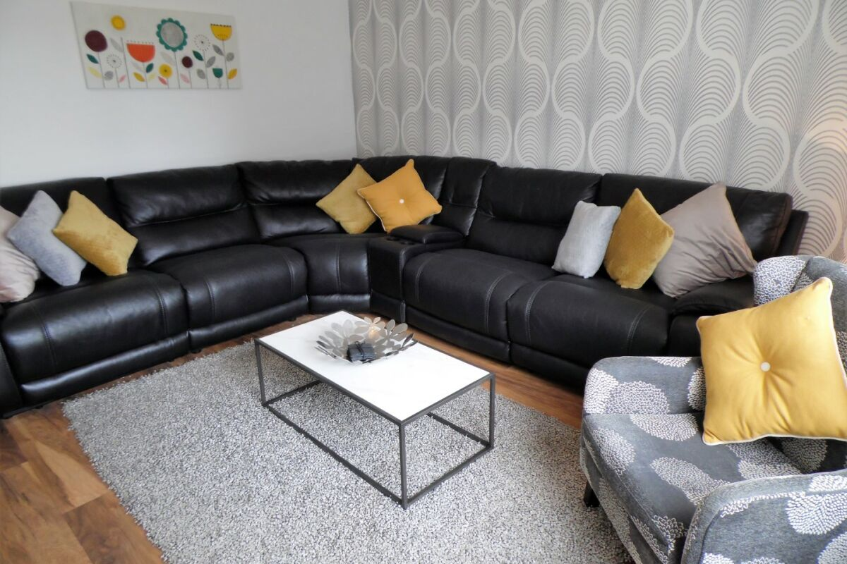 Living Room, Strathview House serviced Accommodation, Motherwell