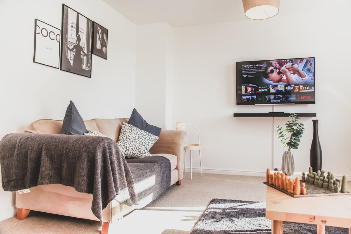 Living Area, Broomhill House Serviced Accommodation, Poole