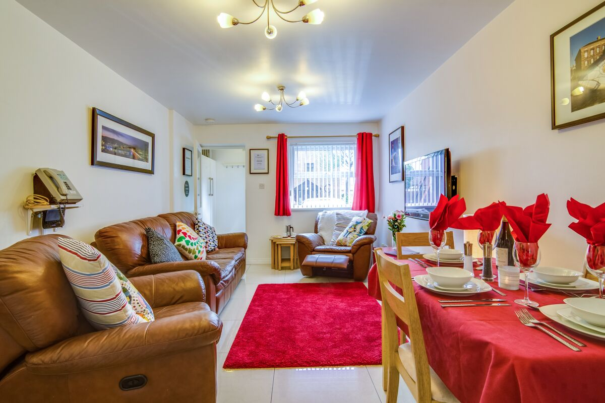 Lounge, Maryville Street Serviced Apartments, Belfast