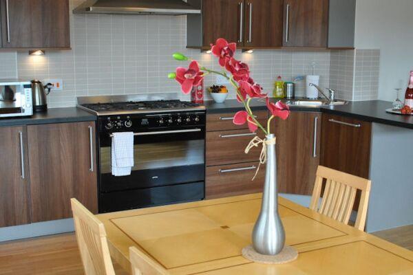 Kitchen, City Centre Serviced Apartments, Edinburgh