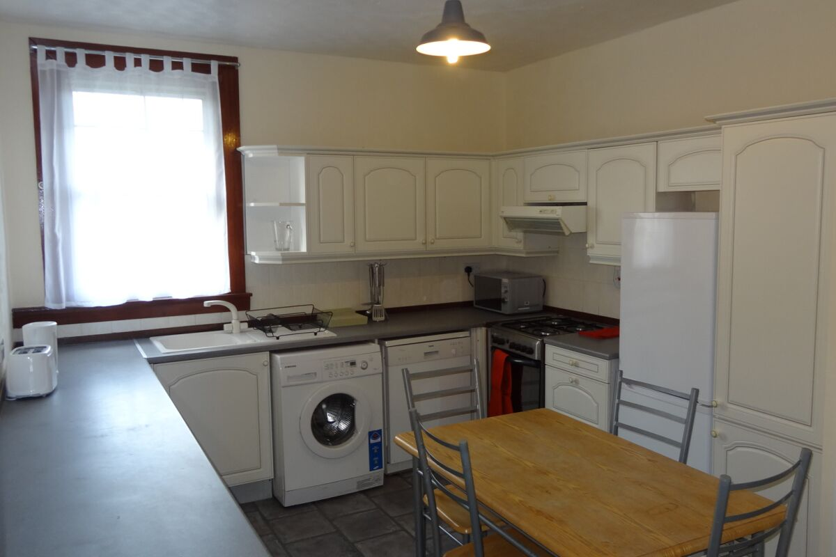 Kitchen and Dining Area, Musselburgh Serviced Apartment, Musselburgh