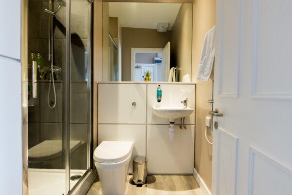 Bathroom, Hanover Street Serviced Apartments, Edinburgh