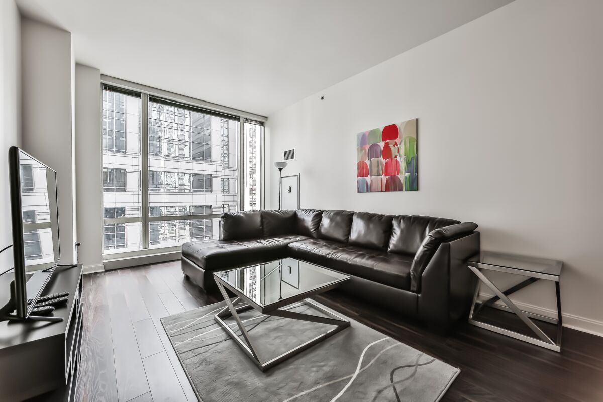 Living Area, OneEleven Serviced Apartments, Chicago