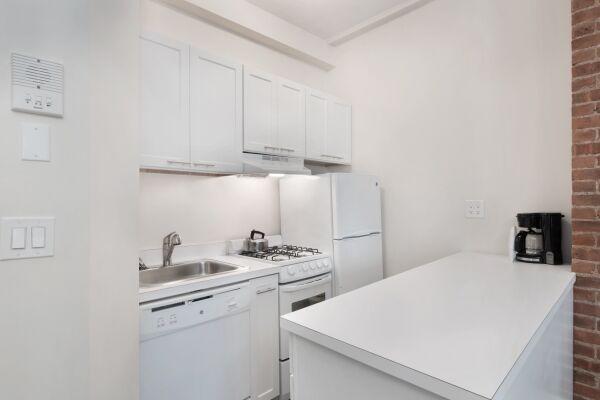 Studio Kitchen, 155 West Serviced Apartments, New York