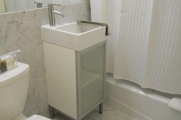 Bathroom, 347 West Serviced Apartment, New York
