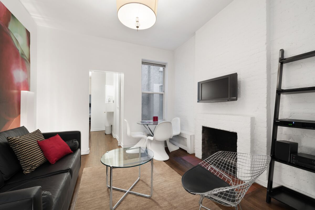 Living Room, 231 West 15th Street Serviced Apartments, New York