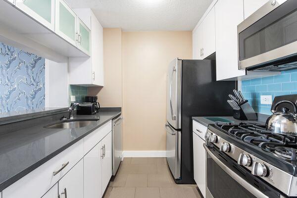Kitchen, Sagamore Serviced Apartments, New York