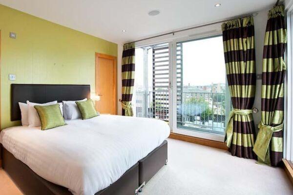 Bedroom, Leamington Wharf Townhouse