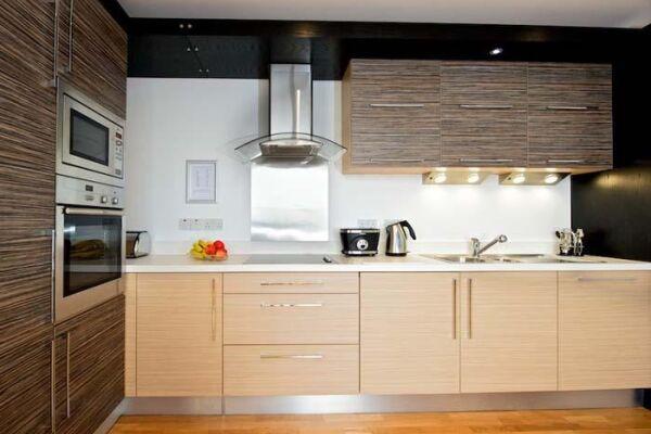 Kitchen, Springside Serviced Apartments, Edinburgh