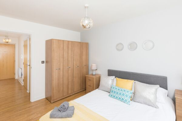 Bedroom, Liberty View Serviced Apartment, Swansea