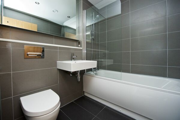 Bathroom, Piccadilly House Serviced Apartments in Manchester