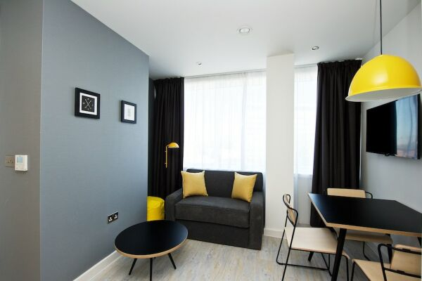 Living Area, Piccadilly House Serviced Apartments in Manchester