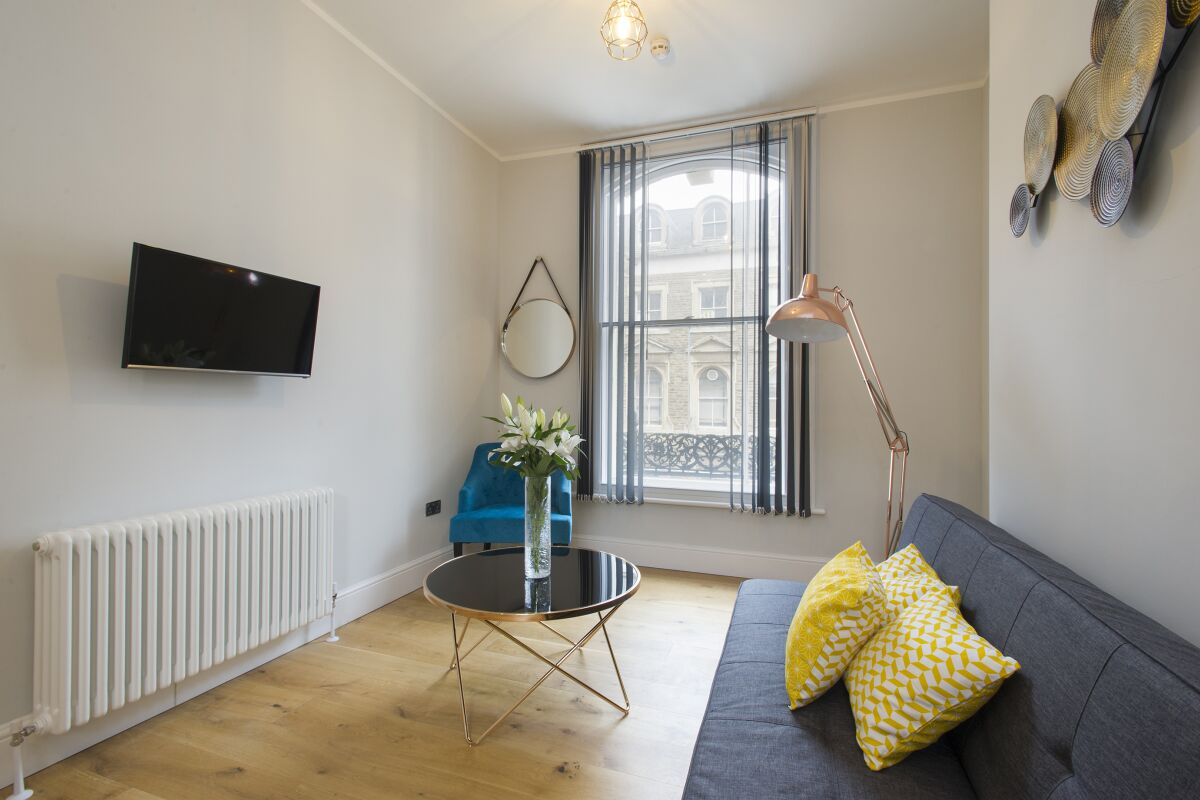 Living Area, Market Street Serviced Apartments, Nottingham
