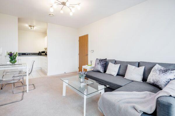 Living area LEYWICK APARTMENT