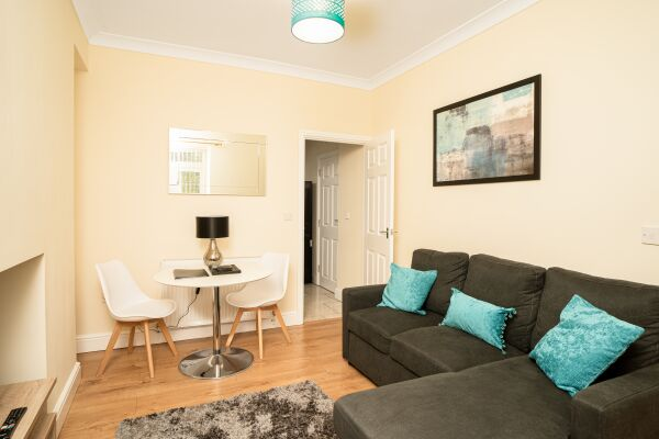Samlet Lodge Accommodation                                      - Llansamlet, Swansea