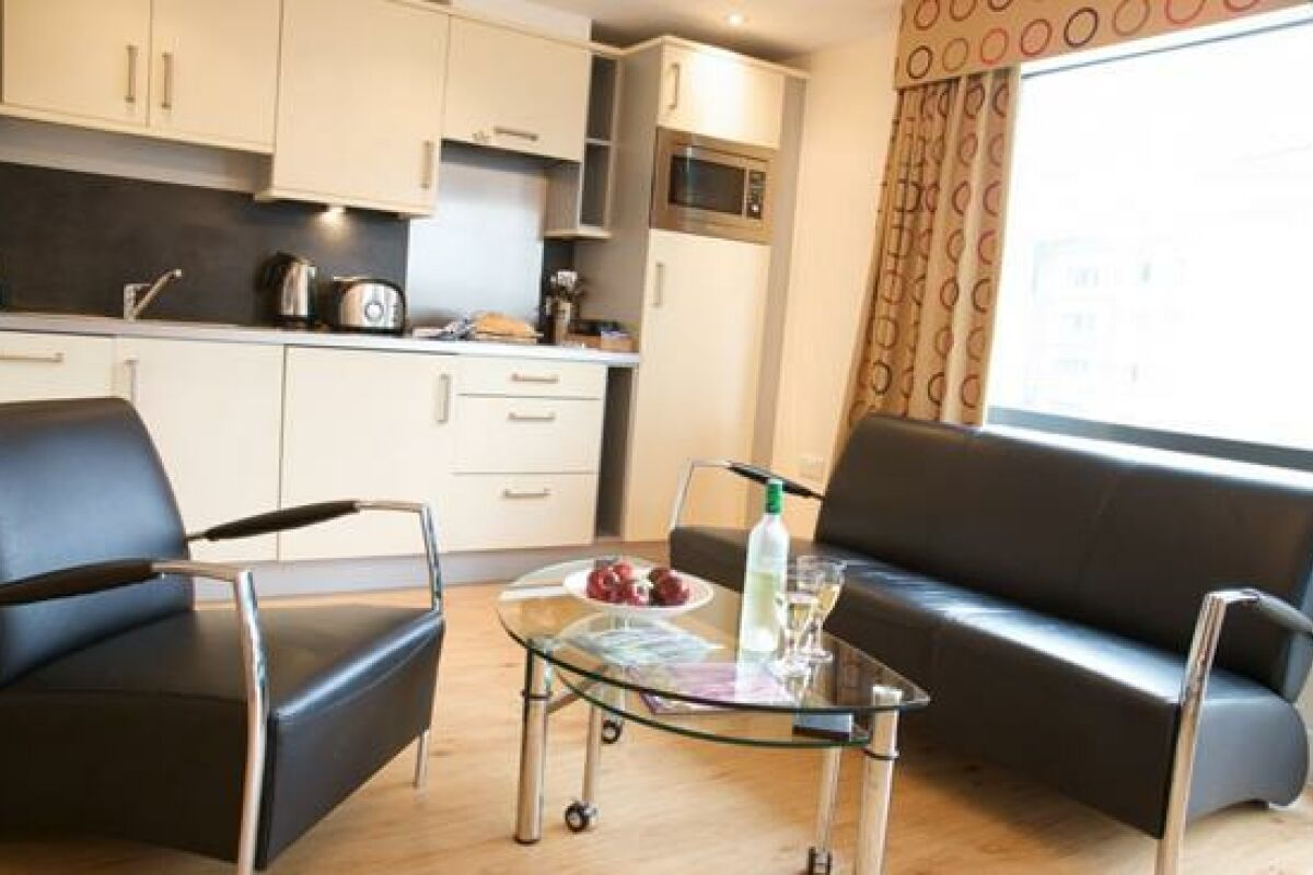 Leeds City West Serviced Apartments, Living Area