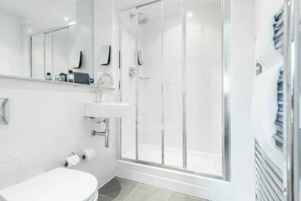 Bathroom, Manchester Premier Serviced Apartments in Manchester