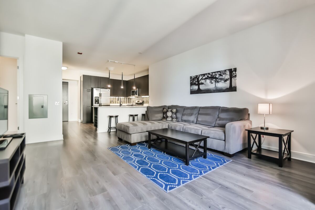 Living Area, 73 East Lake Serviced Apartments, Chicago