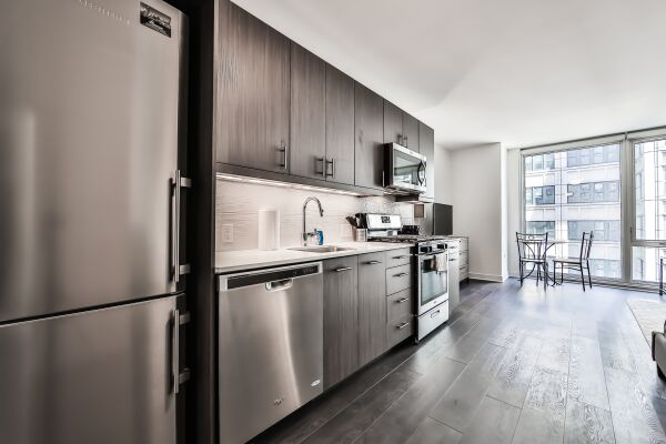 Kitchen, Marquee Serviced Apartments, Chicago