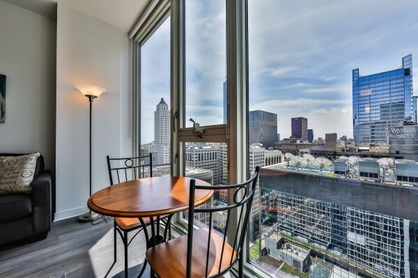 Dining Area, Marquee Serviced Apartments, Chicago