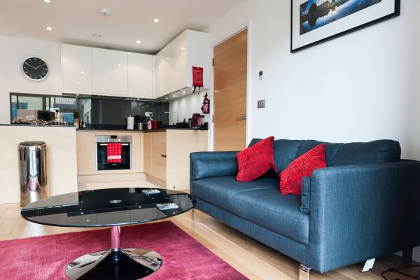 Living Area, Riverside Marlowe Serviced Apartment, Cambridge